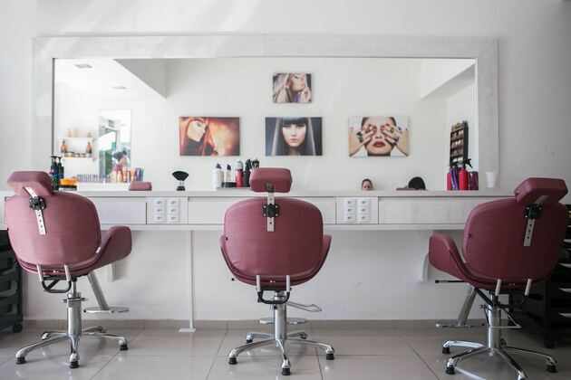 Salon for hair extensions in Orleans to install hair extensions for clients.
